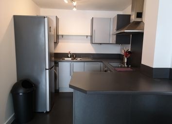 3 bed flat to rent in Westside One, Suffolk Street Queensway, Birmingham, West Midlands B1