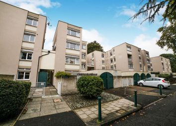 2 bed maisonette for sale in Cedars Road, Clapham SW4