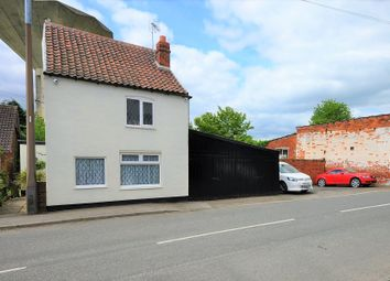 Thumbnail 3 bed cottage for sale in South End, Thorne, Doncaster