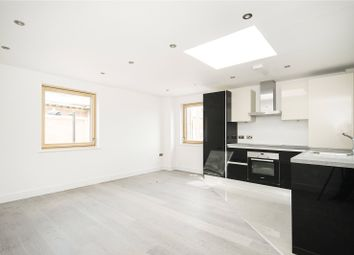 Thumbnail 2 bedroom flat to rent in Paragon Road, London