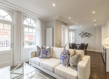 Thumbnail 3 bed flat to rent in 137, Hamlet Gardens, Hammersmith