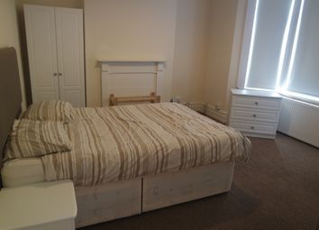 Thumbnail Room to rent in 67 Swan Road, London