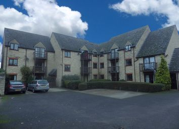 Thumbnail 2 bedroom flat to rent in Evenlode Court, Witney, Oxfordshire