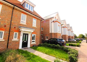 Thumbnail 3 bed property to rent in Pintail Way, Maidenhead