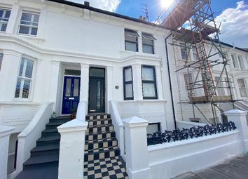 Thumbnail 1 bed flat to rent in Goldstone Road, Hove, East Sussex