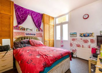 Thumbnail 2 bed flat to rent in Ivydale Road, Peckham