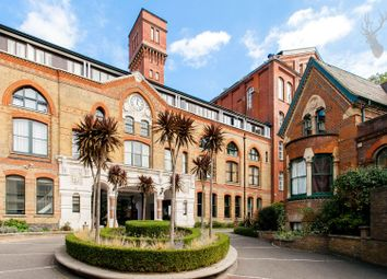 2 bed flat for sale in Fairfield Road, London E3