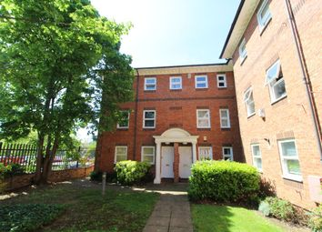 2 bed maisonette to rent in Ashburnham Road, Bedford MK40