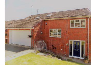 Thumbnail 6 bed detached house for sale in De Mere Close, Rainham