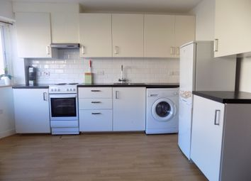 Thumbnail 2 bedroom flat to rent in Meyrick Avenue, Luton, Bedfordshire