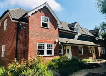 2 bed flat to rent in Newitt Place, Southampton SO16