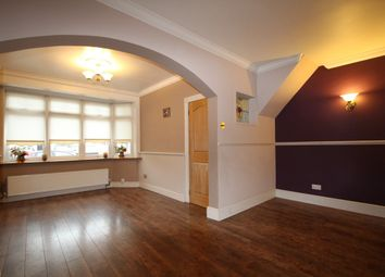 Thumbnail 3 bed flat to rent in Hawthorn Avenue, Rainham