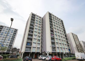 Thumbnail 2 bedroom flat to rent in Navestock Crescent, Woodford Green