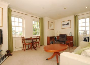 Thumbnail 2 bedroom flat to rent in Ray Park Avenue, Maidenhead