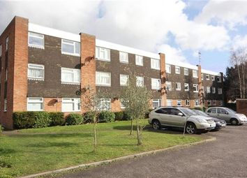 Thumbnail 2 bed flat to rent in Hill Rise, Langley, Slough