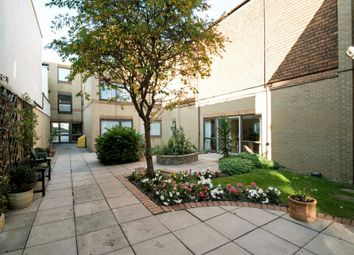 Thumbnail 1 bedroom flat for sale in Lychgate Court, Friern Park, London N12,