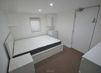 Thumbnail Room to rent in Kings Road, Reading, Berkshire, - Room 8