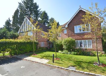 2 bed flat for sale in Tilford Road, Hindhead GU26