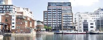 Thumbnail 2 bed flat to rent in Clonmel Court, 14 Turnbury Quay, Canary Wharf, London