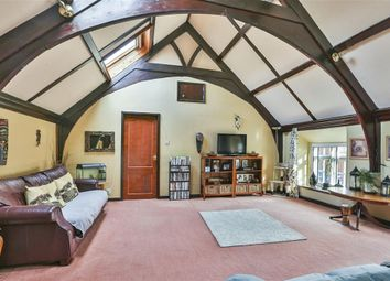 Thumbnail 5 bed property for sale in Shrivenham Road, Highworth, Swindon