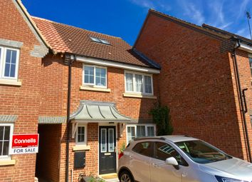 Thumbnail 3 bedroom terraced house to rent in Moore Crescent, Houghton Regis, Dunstable
