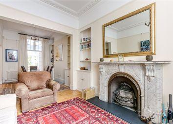 Winchester Street, London SW1V. 3 bed maisonette