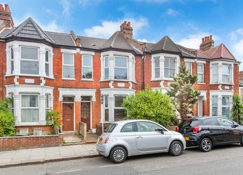 Thumbnail 1 bed flat to rent in Squires Lane, London