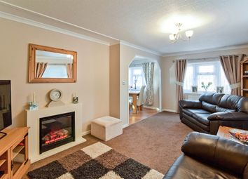 Thumbnail 2 bedroom mobile/park home for sale in Shepherds Grove Park, Stanton, Bury St. Edmunds