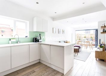 Thumbnail 2 bedroom flat for sale in Carlingford Road, Turnpike Lane