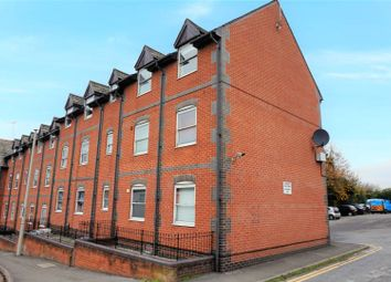Thumbnail 2 bed flat for sale in Dale Road, Reading