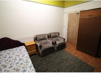 Thumbnail Room to rent in Bradfrod Road, Hillhouse, Huddersfield