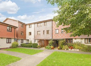 2 bed flat for sale in Coniston Close, West Wimbledon, West Wimbledon SW20