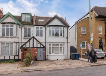 2 bed flat for sale in Finchley Lane, London NW4