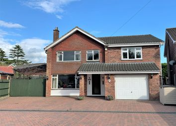 5 bed detached house for sale in Heatherstone Avenue, Dibden Purlieu, Southampton SO45