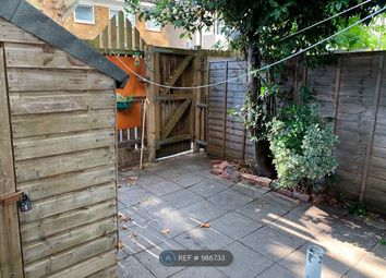 3 bed maisonette to rent in Howcroft House, London E3