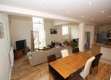 Thumbnail 4 bed detached house to rent in North Street, Calne