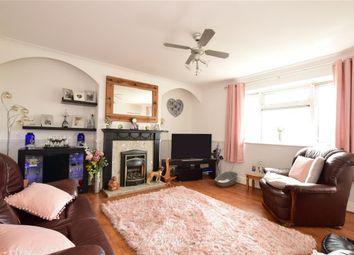 Heathcote Avenue, Ilford, Essex IG5. 3 bed flat