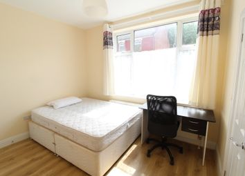 5 bed terraced house to rent in Bills Included, Store Street, Sheffield S2