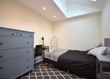 Thumbnail Room to rent in Barkham Road, Wokingham