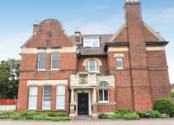 Thumbnail 3 bed flat for sale in Bath Road, Reading