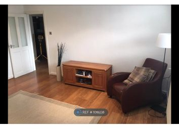 2 bed flat to rent in Hulme Road, Denton, Manchester M34