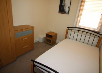 Fully Furnished Double Room To Let, With All Bills Included, Rodbourne, Summers Street SN2. 4 bed shared accommodation