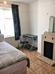 Thumbnail 2 bed shared accommodation to rent in Hoylake Road, North Acton, London