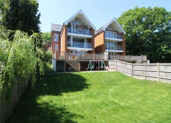 Thumbnail 3 bedroom detached house for sale in Bursledon Road, Hedge End, Southampton