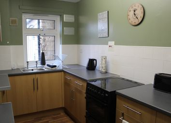 Thumbnail 1 bed flat to rent in Queen Street, Ravensthorpe, Dewsbury