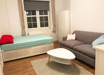 Thumbnail Room to rent in Tompion House, Angel