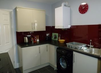 Thumbnail 1 bed flat to rent in New North Road, Exmouth