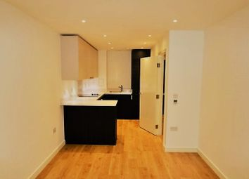 Thumbnail 1 bedroom flat to rent in Saffron Central Square, Croydon