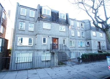 2 bed flat to rent in Fonthill Road, Top Floor AB11