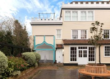 Thumbnail 3 bed flat to rent in North End, London